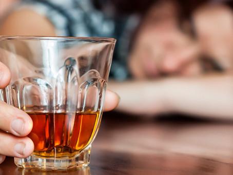 DEPENDÊNCIA QUÍMICA (ALCOOLISMO)