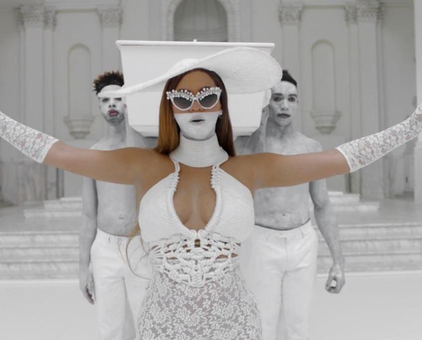 Beyoncé in Déviant La Vie
