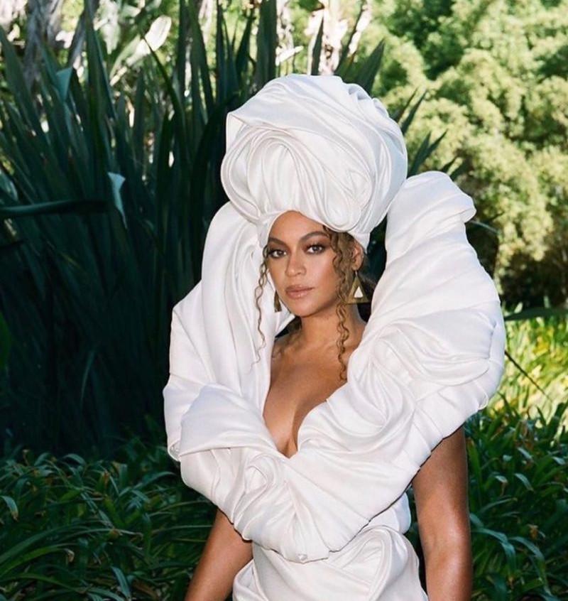 Beyoncé in Alon Livne