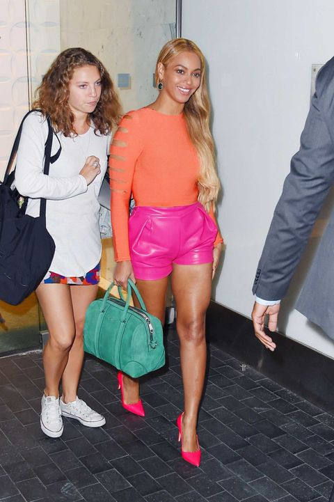 Beyoncé in pink and orange