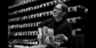 """Fotoreportage vom Event und Vorstellung der neue CD """"Opus"""" und Auftritt von jazz Gitarrist Al Di Meola begleitet von Akkordeonisten Fausto Beccalossi. Portraits in Schwarzweiß. Location: Musikabteilung in Ludwig Beck am Marienplatz, München"""