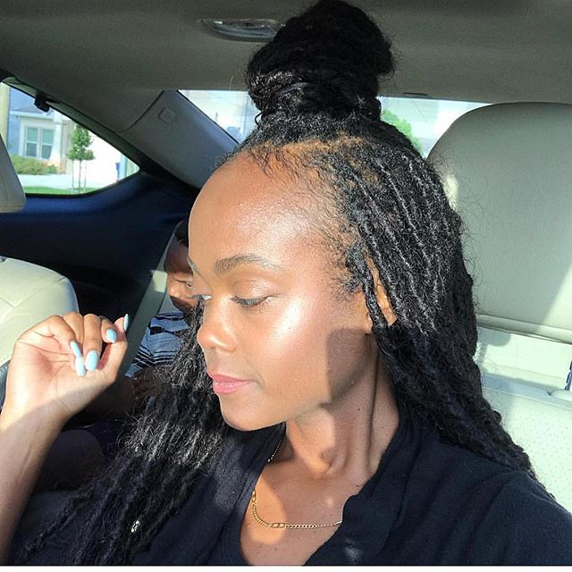 Her locs look so real 😍 human hair goddess locs look like you grew them out of your scalp lol! 😍😍