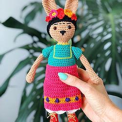 Pony McTate_Famous Rabbits_Frida Kahlo_c