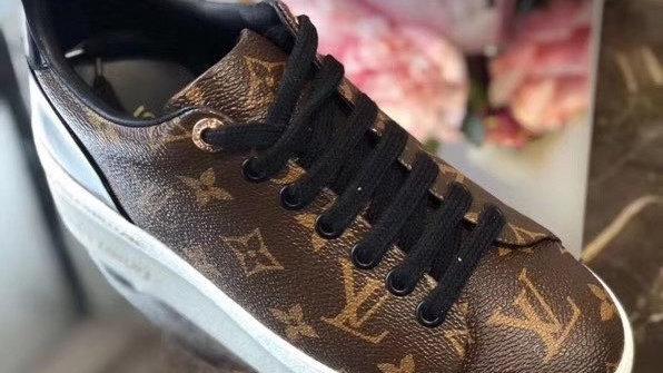 Monogram Sneakers talle 42