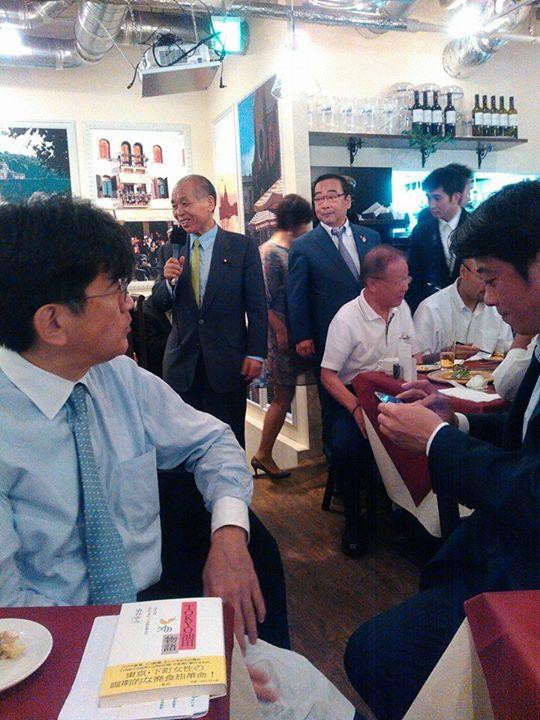 企業家の会に呼ばれて、話してきましたが、台東区の会だった!いい意味も悪い意味でも、すごかつた鈴木宗男まで登場!さすが上野広小路‼️