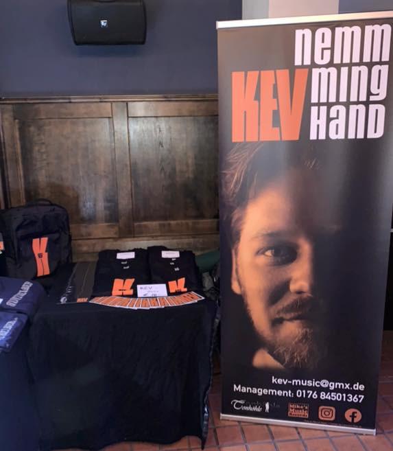 KEV – Roll-up und Merchandising