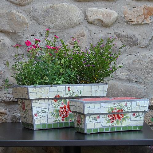 Featured rectangular green plant pots garden