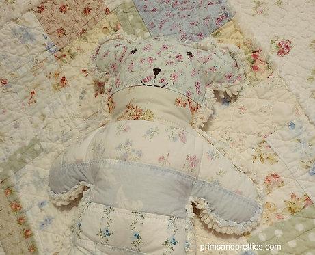 MEDIUM #6 Raggy Bear & Quilt