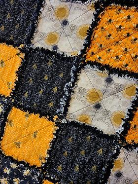 Bee-a-utiful Bee's & flowers Rag Quilt