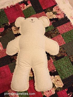 MEDIUM #8 Raggy Bear & Quilt