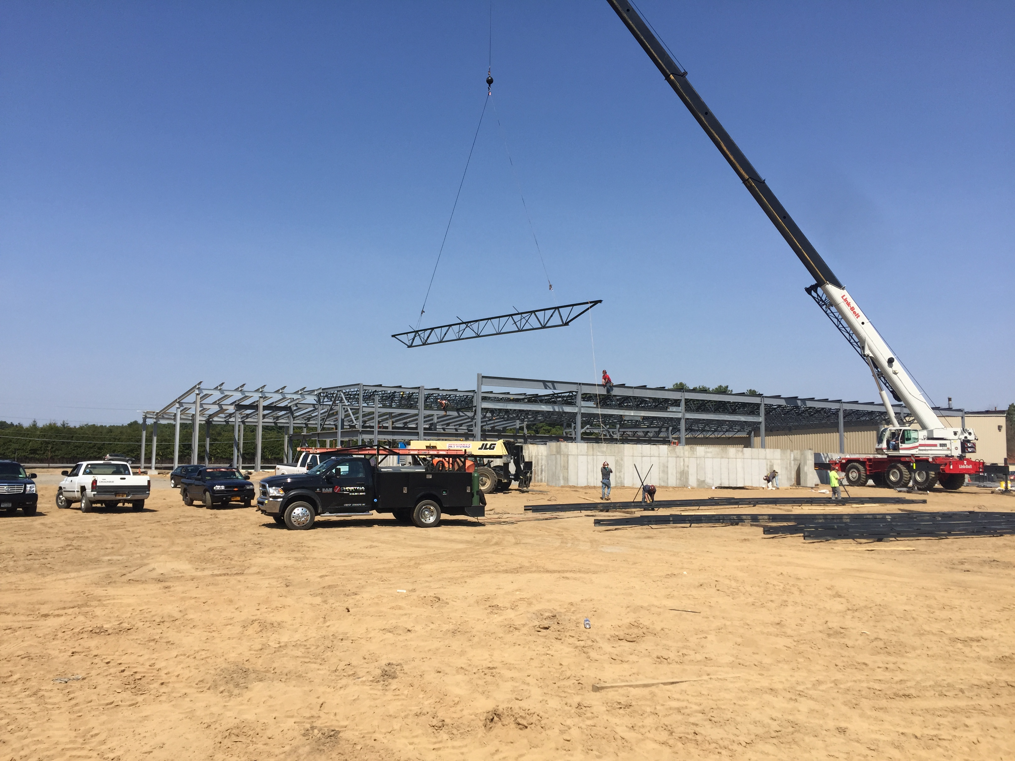 Saratoga Honda - 80' Girder Erection