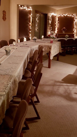 Christmas table set up - beautiful.JPG