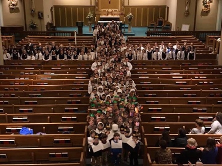 SCSP Students Create Human Cross at Thanksgiving Mass, 11/21/2018