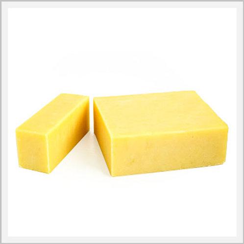 Kirkland Sharp Cheddar Cheese (907 g/2 lb)
