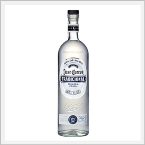 Jose Cuervo Traditional Tequila Plata (695 ml)