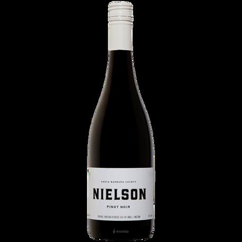 Nielson Pinot Noir (750 ml)