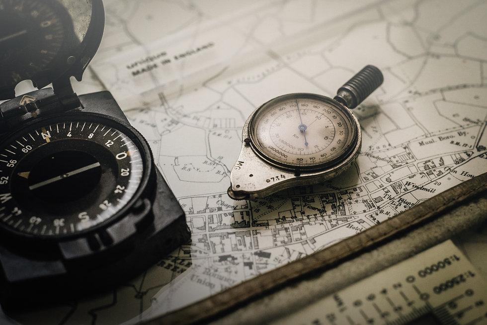 compass-equipment-guidance-1203808.jpg