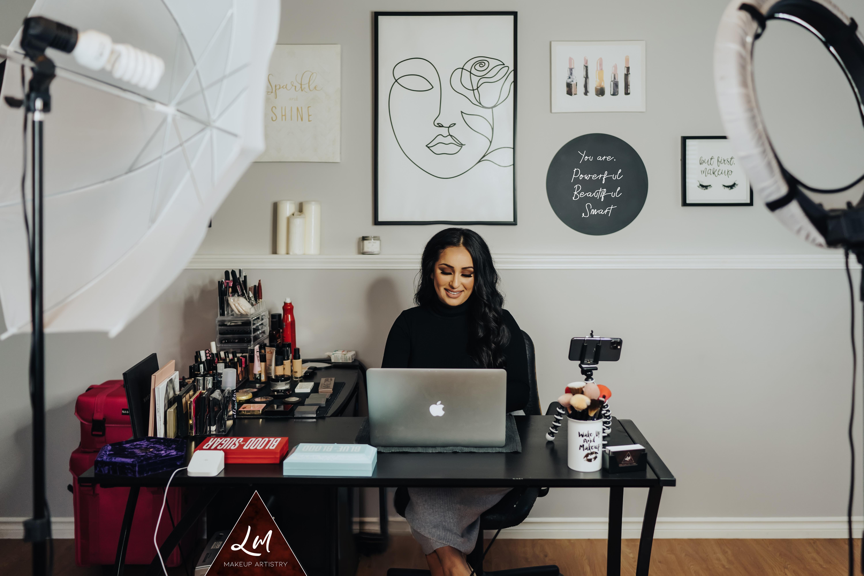 Group Virtual Makeup Lessons