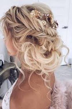 naturally_curly_wedding_hairstyes_La_bel