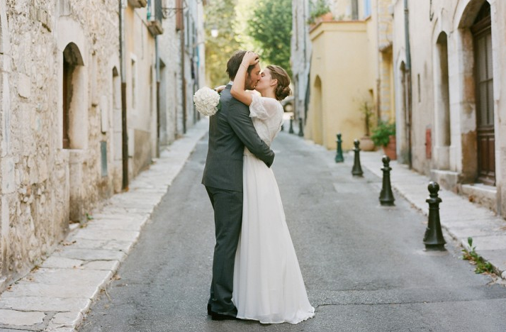 wedding- kiss-marriage-charlene-parchment-labelles-wedding-hairdresser-make-up-artist-west-midlands-
