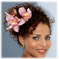naturally_curly_wedding_hairstyes_La_belles_professional_hair_services_charlene_parchment_curly_hair_specialist