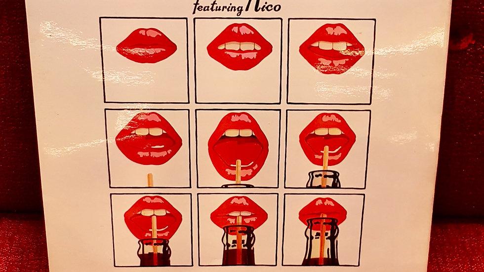Andy Warhol's Velvet Underground - Featuring Nico