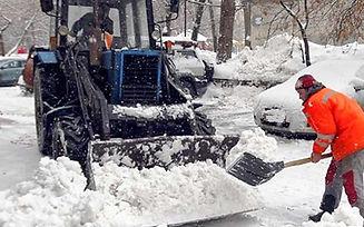 traktor-uborka-sena-oranzhevyi.jpg