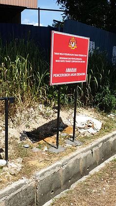 Road sign manjung