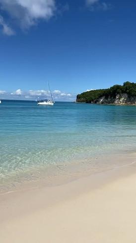 Vacances-Marie-Galante-plage-détente-bie