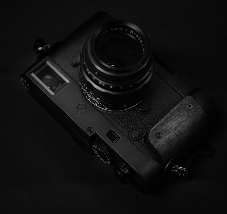 M10-monochrom 2.jpg