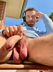 hung big.png