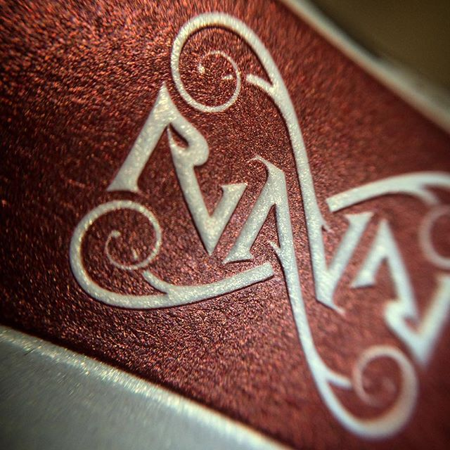Got a macro lens for iphone to catch the details of #ravn #ambigram #embossing #ravnplayingcards #st