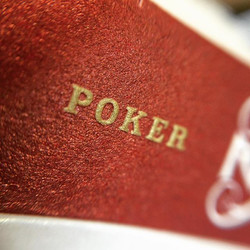 POKER (SIZE) #macro #ravnplayingcards #pokercards #playingcards #stockholm17 #poker #embossing ♦️♣️♥