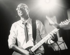 מורה לגיטרה ברעננה.jpg