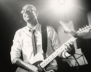 גיטרה קלאסית אקוסטית חשמלית
