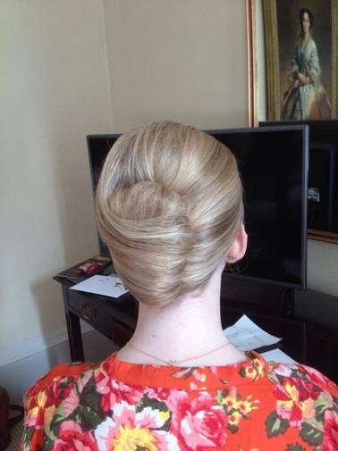 structured-weddings-hairstyles-2016-13.jpg