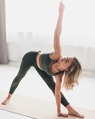 Yoga_fondamental_edited.jpg