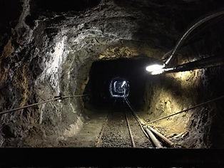 Una delle più grandi miniere di ferro d'Europa, dove è possibile visitare le gallerie sotterranee alla scoperta delle varie fasi di estrazione del ferro