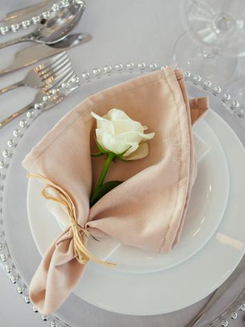wedding-table-serving-wedding-decor.jpg