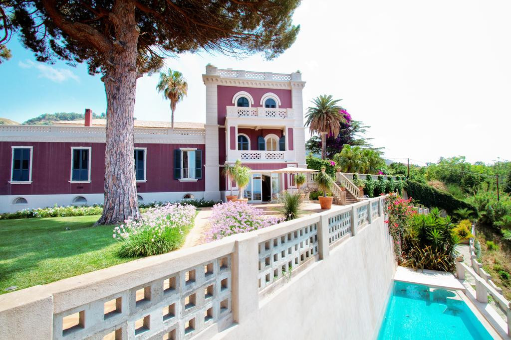 Villa, piscina a sfioro
