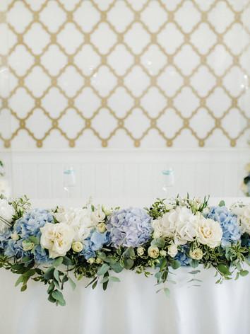 wedding-bride-and-groom-table-presidium-