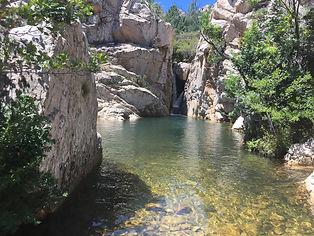 E' un fiume situato nel cuore di Monte Nieddu che forma in alcuni tratti piscine naturali e imponenti cascate , alcune raggiungibili con trekking altre solamente con canyoning.
