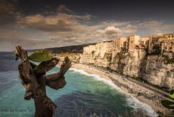 Vista di Tropea dal centro storico