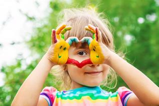 children-hands-in-colors-summer-photo-se