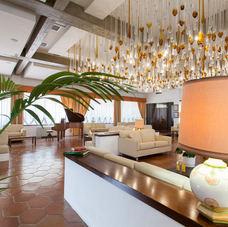 Hall Grand Hotel De Rose