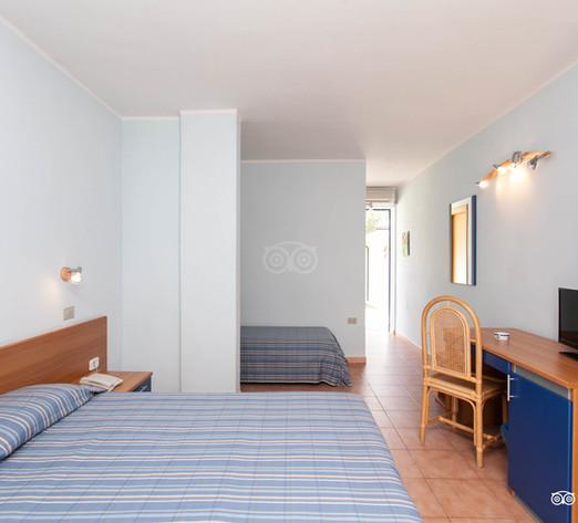 classic-room--v8364436.jpg