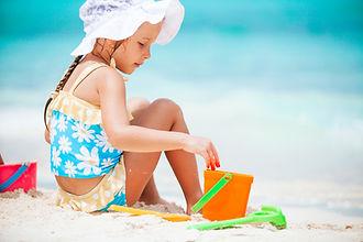 little-girl-at-tropical-white-beach-maki