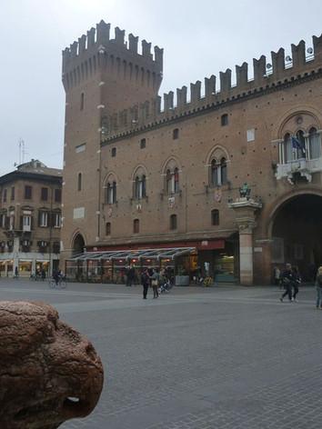 Palazzo_Municipale_-_Ferrara_3.jpg