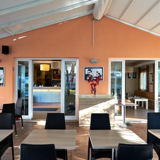 bar-caffetteria-veranda int.JPG