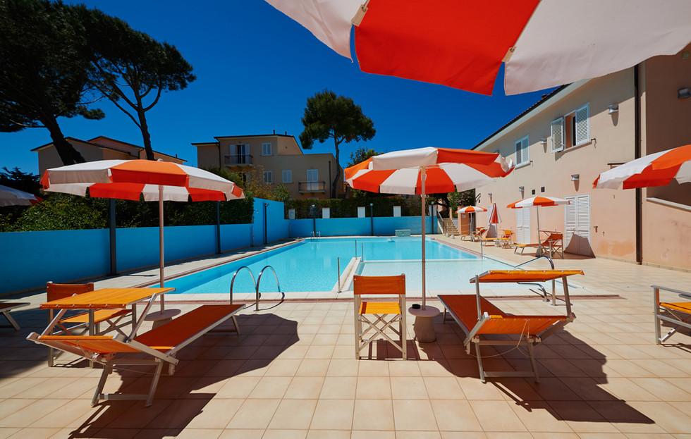 esterno-piscina3.JPG
